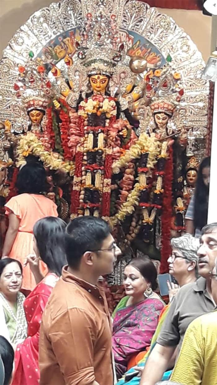 মহা অষ্টমীতে মল্লিক বাড়ির দুর্গাপুজো, দেখুন কোয়েলের সাজ