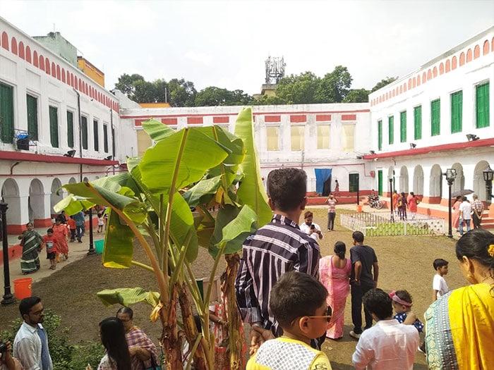 দেখুন কলকাতার শোভাবাজার রাজবাড়ির সপ্তমীর পুজো
