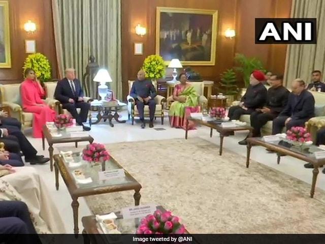 राष्ट्रपति भवन में डोनाल्ड ट्रंप और मेलानिया ट्रंप के लिए किया गया डिनर का आयोजन