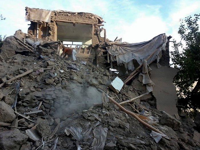 Over 100 Killed in Earthquake Devestation in Afghanistan, Pakistan: 5 Pics