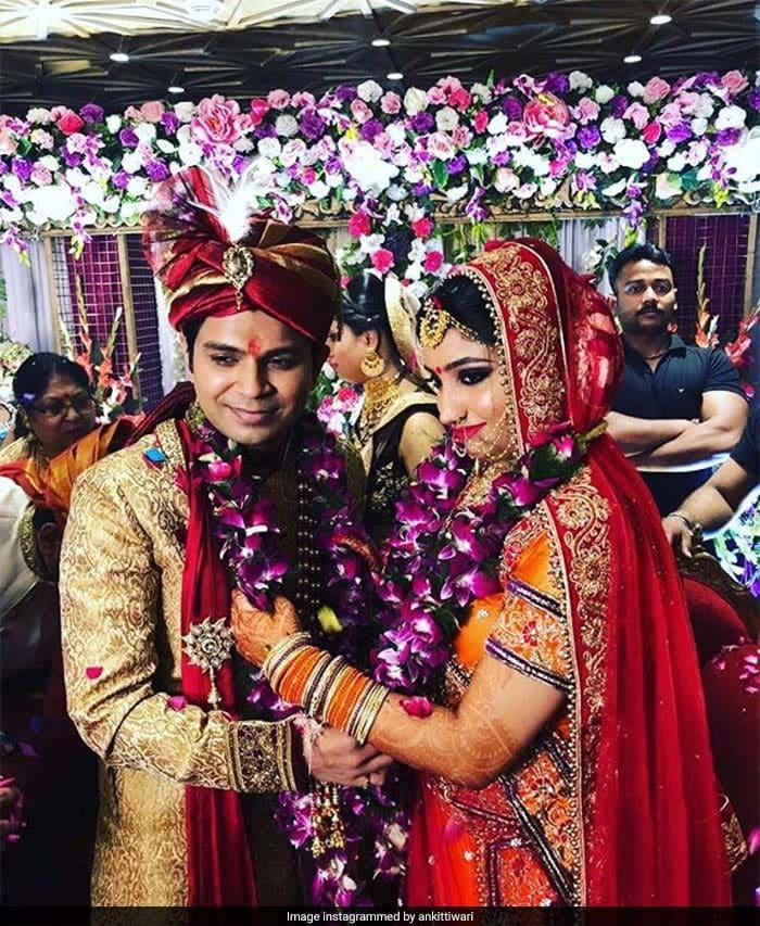 आशिकी-2 के सिंगर ने की शादी, देखें Wedding Photos