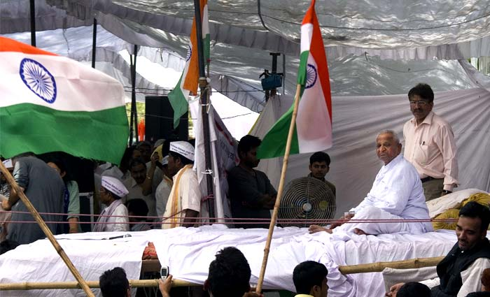 Top 20 surfer comments supporting Anna Hazare