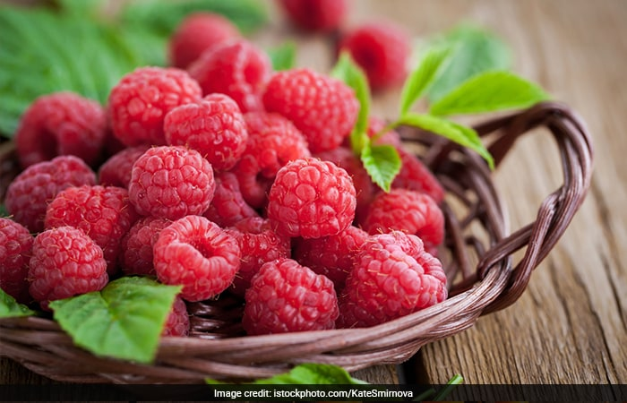 5 Food Items Rich In Antioxidants To Keep Ageing At Bay