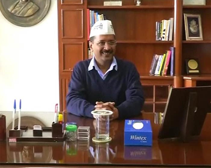 Arvind Kejriwal\'s First Day at Work