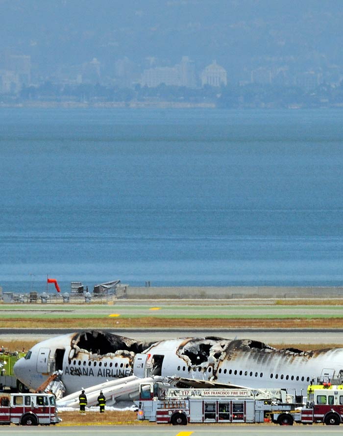 Asiana Airlines flight crashes while landing at San Francisco airport