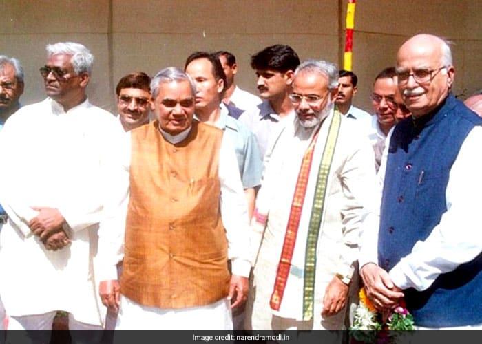 तस्वीरों में देखें दो प्रधानमंत्रियों की कहानी