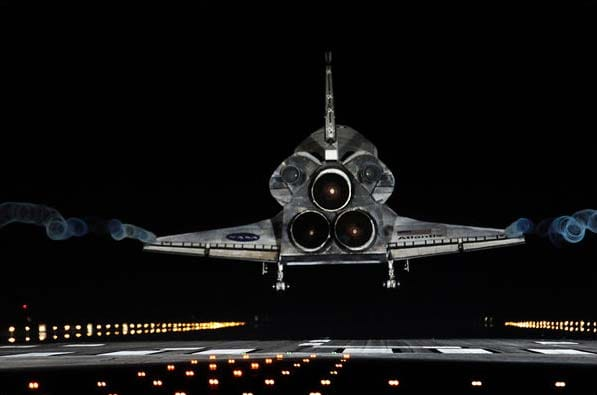 Atlantis ends its final voyage and an era in space