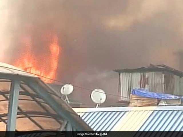 Photo : In Pics: 5 Photos Of The Massive Bandra Fire, Station Affected