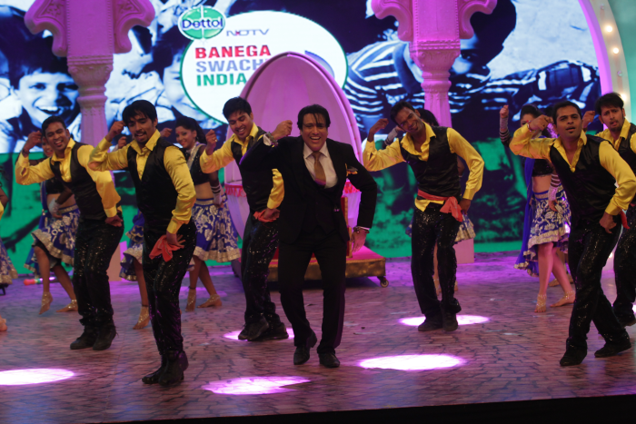 From Govinda\'s Hit Performance to Mouni Roy\'s Legendary Tribute to Waheeda
