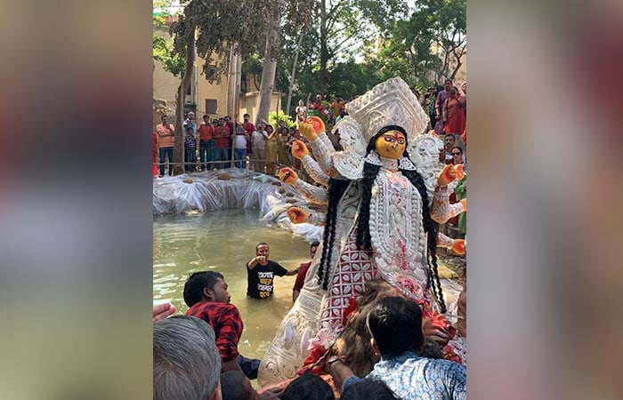 Durga Puja 2019: Delhi Bids Farewell To Goddess Durga In A Green Way