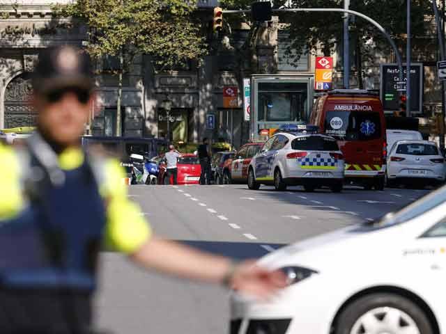 Photo : Van Crashes Into Dozens In Barcelona Terror Attack