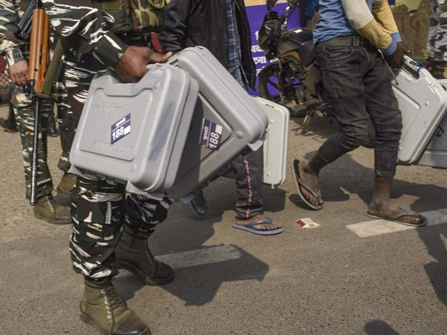 बिहार विधानसभा चुनाव 2020: दूसरे चरण के मतदान की तैयारियां पूरी, देखें तस्वीरें...