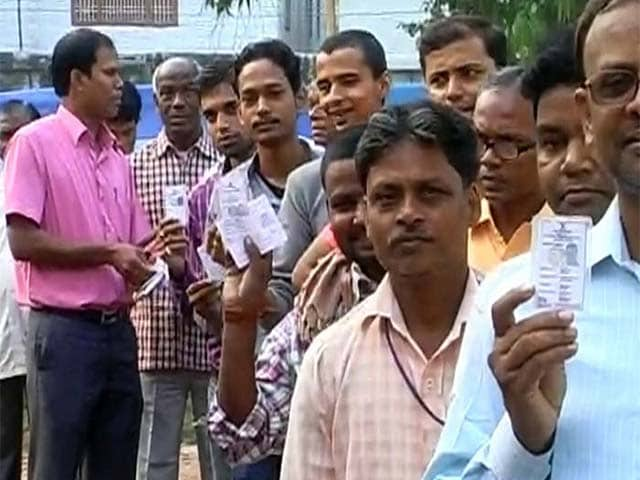 Photo : Bihar Elections: Fifth and Final Phase of Assembly Polls Begin