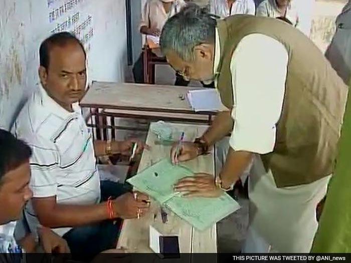 Battle For Bihar: Voting Begins For the 1st Phase