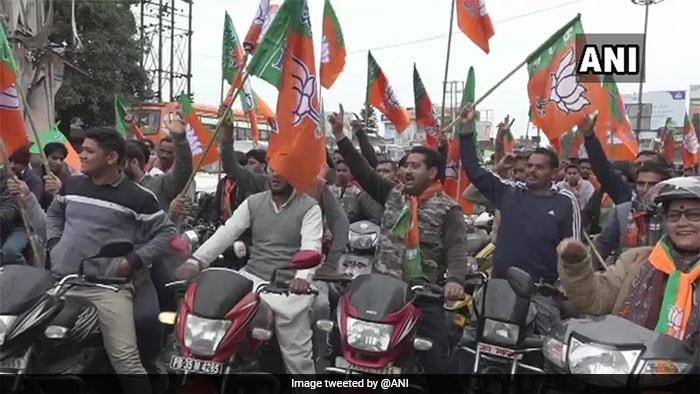 लोकसभा चुनाव 2019: बीजेपी ने निकाली 'विजय संकल्प बाइक रैली', तस्वीरों में देखें शक्ति प्रदर्शन