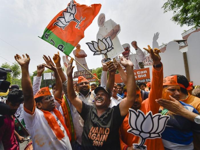 चुनाव 2019: भारी बहुमत से सत्ता में लौट रही बीजेपी ने कुछ इस अंदाज में मनाया जश्न