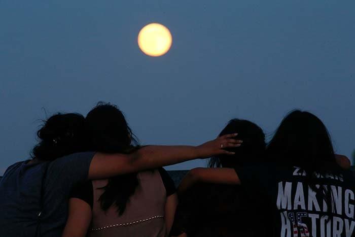 शानदार... गली में आज चांद निकला