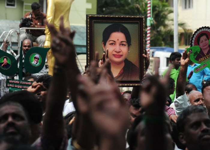 Assembly Elections 2016: Supporters Cheer For Jayalalithaa and Mamata Banerjee