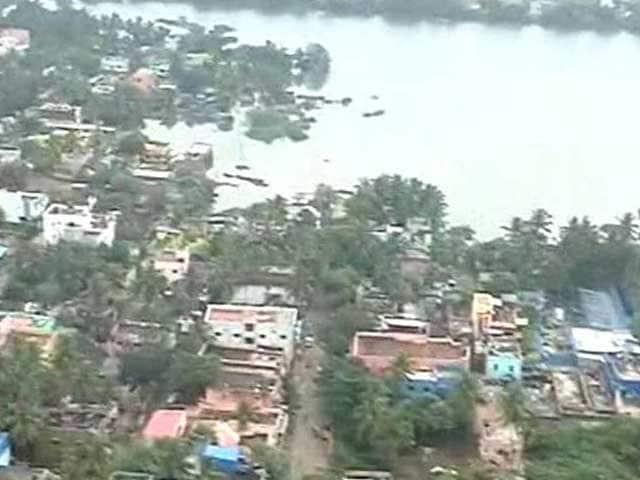 Photo : ...दिल दहला सकती हैं आसमान से ली गई चेन्नई की ये 5 तस्वीरें