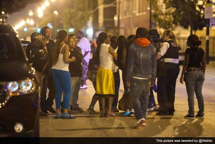 Gun violence: 11 people shot in Chicago park