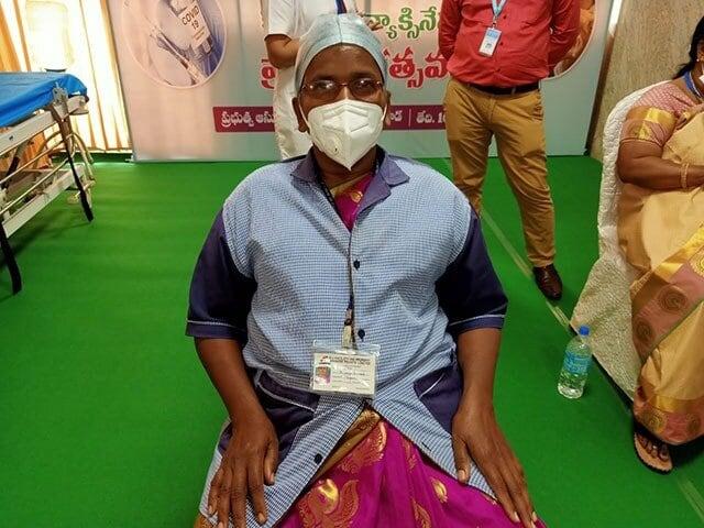 कोरोना के खिलाफ टीकाकरण अभियान लॉन्च, तस्वीरों में देखें देशभर में कैसा है माहौल