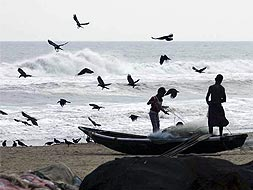 Photo : Cyclone Phailin: Odisha on high alert