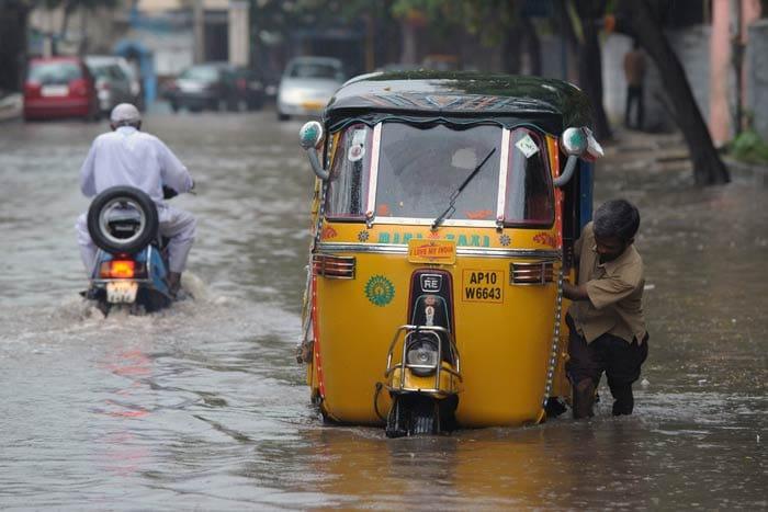 Cyclone Phailin: Heavy rain lashes Andhra Pradesh