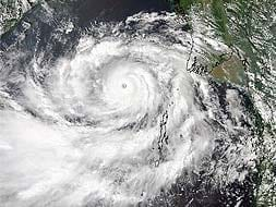 Photo : Odisha, Andhra Pradesh brace for Cyclone Phailin
