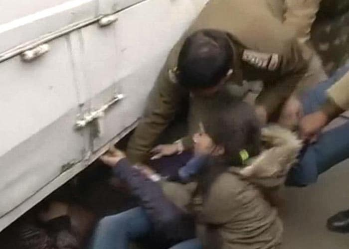 Protests against Delhi gang-rape intensify, prohibitory orders imposed in New Delhi