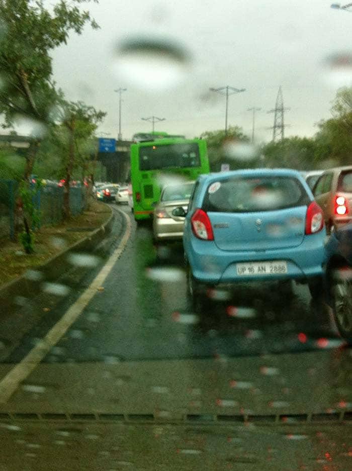 Rain Leads to Traffic Chaos in Delhi