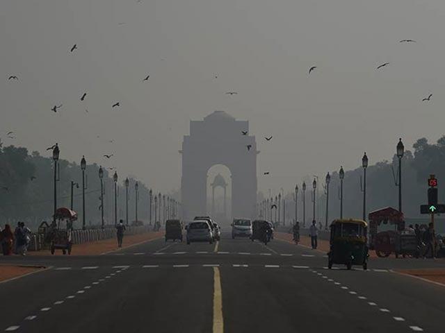 Photo : Smog Covers Delhi Post Diwali