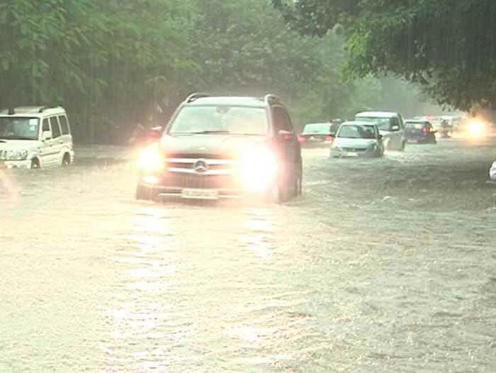 Rain Nightmare Redux For Delhi, Gurgaon As Traffic Crawls