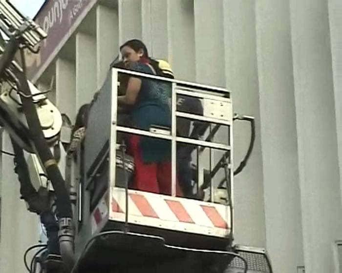 Big fire at bank in Central Delhi