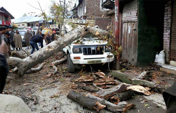 Massive Earthquake Jolts North India, Pakistan, Afghanistan