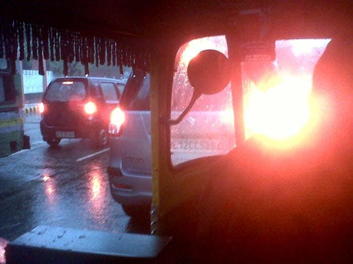 Delhi\'s night of rain, morning of jams
