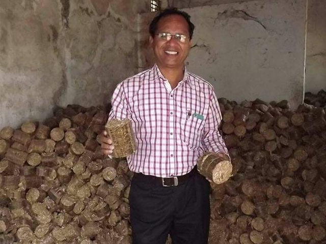 Photo : Here's How A Waste Warrior From Nagpur Is Saving 1,000 Trees Every Month And Preventing Stubble Burning