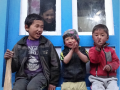 Photo : Operation Everest Summiteers Meet the Joyful Kiddiewinks of Namche Bazaar
