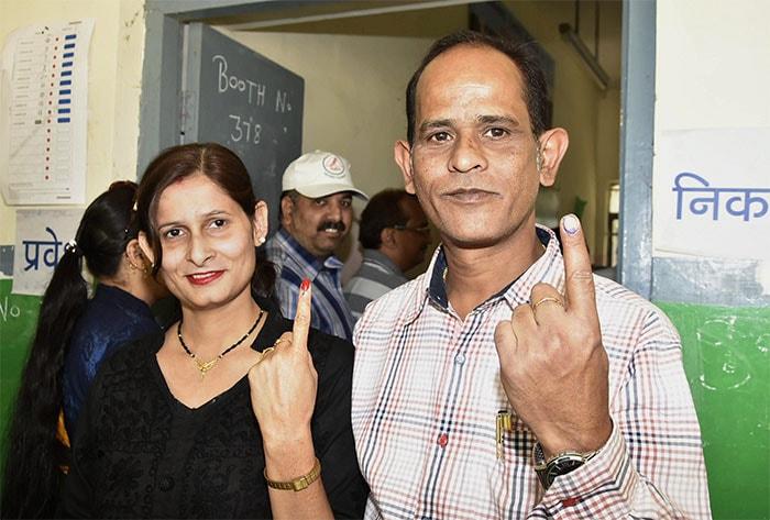 लोकसभा चुनाव 2019: पांचवें चरण में बड़ी संख्या में लोगों ने अपने मताधिकार का किया प्रयोग
