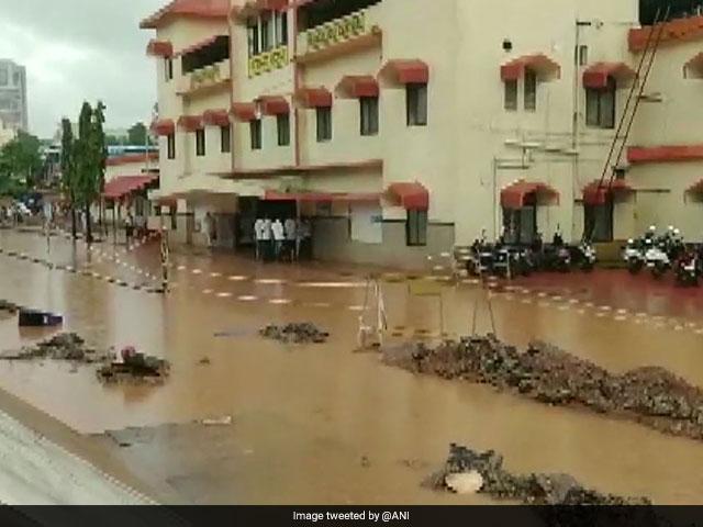 बाढ़ से बेहाल हुआ असम, कर्नाटक और तमिलनाडु, दिल्ली में भी हुआ जलजमाव