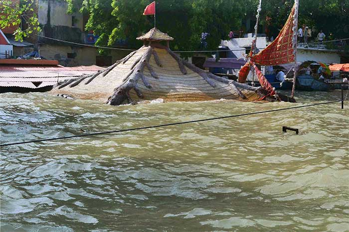 Flooded Police Station In Uttar Pradesh Is Now Working
