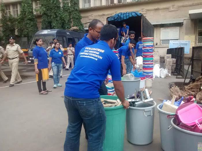 Gearing Up For The Banega Swachh India Maha Cleanathon In Mumbai