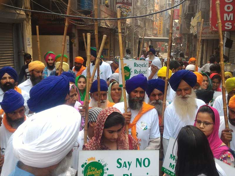 Photo : The Golden Temple: Highlights From The Cleanathon