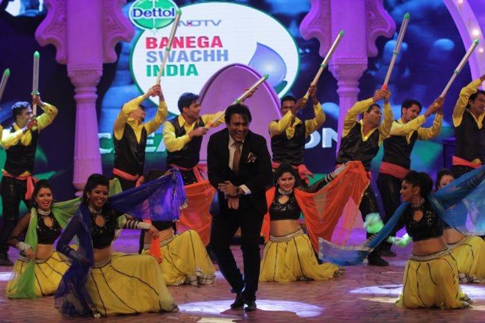Govinda\'s Glorious Tribute to Big B at NDTV\'s Cleanathon