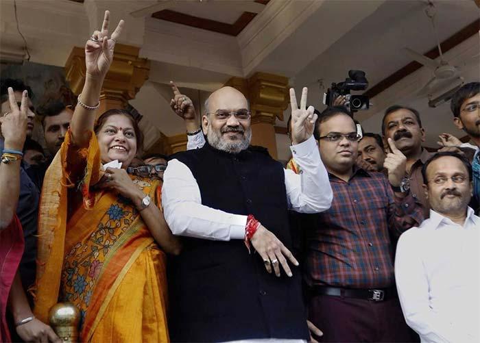 PM Narendra Modi Casts His Vote In Second Phase Of Gujarat Polls