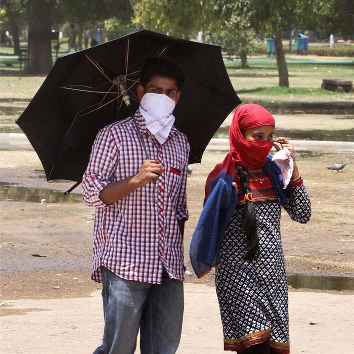Heat wave grips India