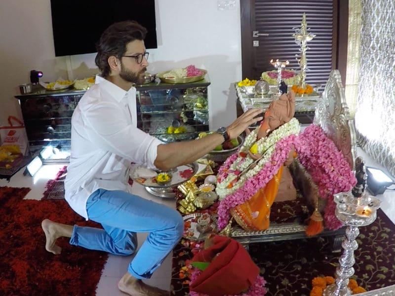 Photo : Ganesh Chaturthi: Hrithik Roshan Welcomes Ganpati Home