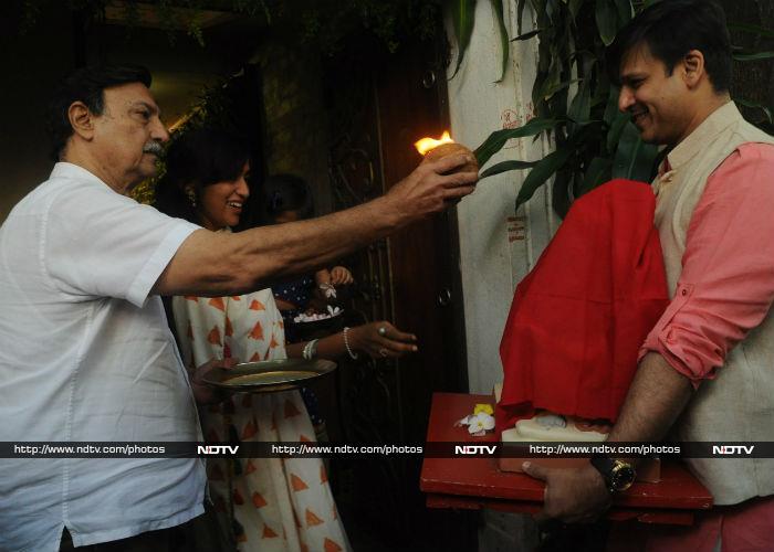 Ganesh Chaturthi: Hrithik Roshan Welcomes Ganpati Home