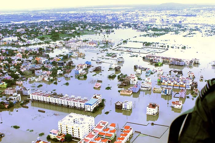 5 Pics: Indian Air Force Team Airlifts People From Flood Affected Chennai