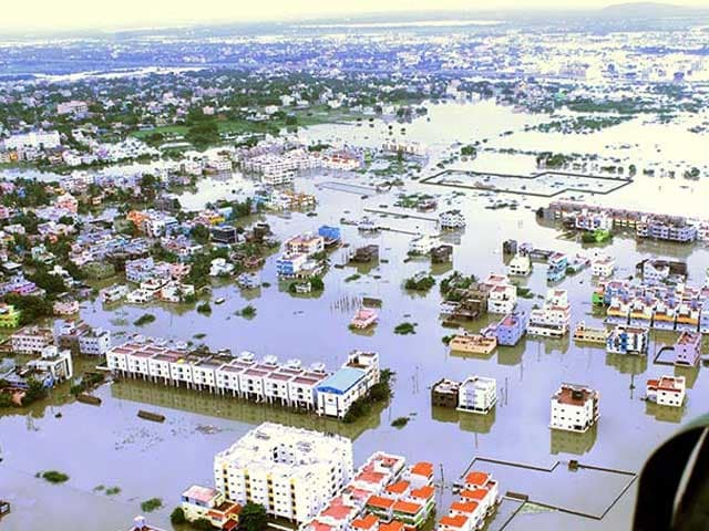 Photo : 5 Pics: Air Force Team Rescues People From Flood Affected Chennai