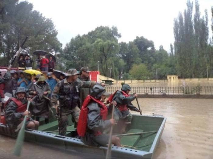 Jammu and Kashmir Massive Floods: Indian Army Rescues Stranded